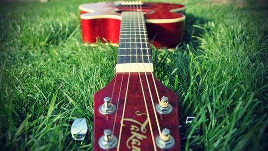 Уроки игры на гитаре, электрогитаре. Начальный уровень :